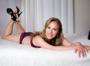 Anne-paule outcall escort in Hays Kansas